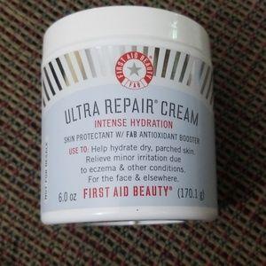 First Aid Ultra repair Cream